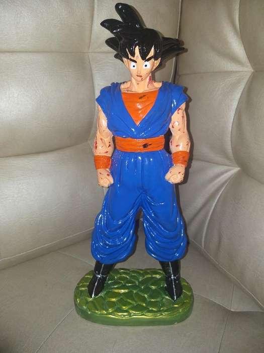 Vendo Lindo Muñeco de Goku en Yeso