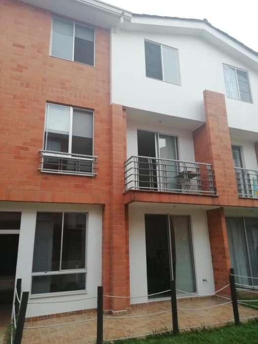 Cod. VBINH-712 Casa Condominio En Venta En Cali La Hacienda