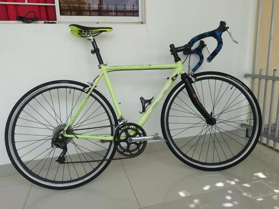 Bicicleta de Ruta 700 - Semi Carrera