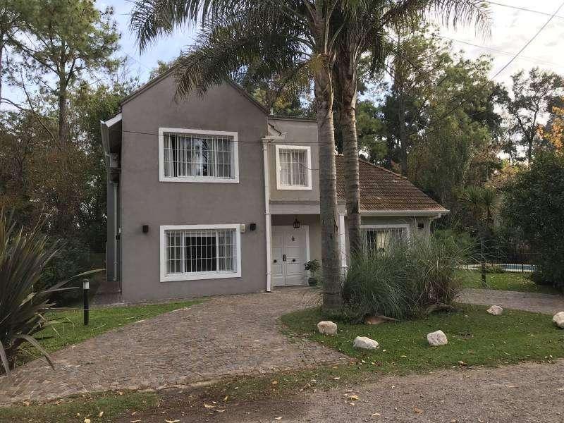 Casa en Venta dentro del Barrio La Cascada - Pilar