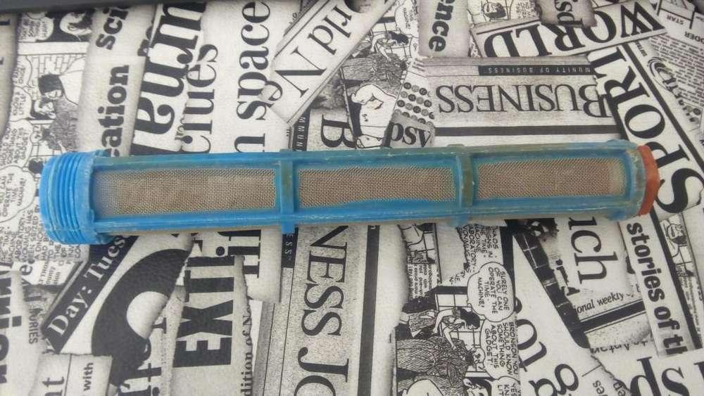 Filtro malla agua pulgada y media ideal perforacion riego solo un mes de uso