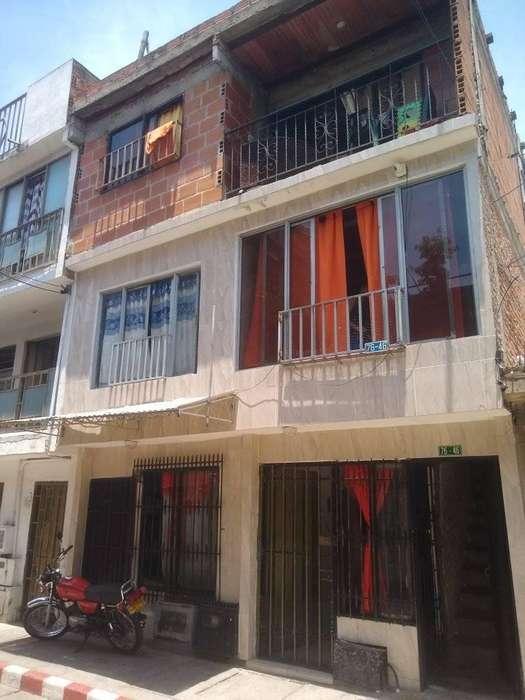 casa en venta en el barrio los naranjos tel 4050748 cel3173433344