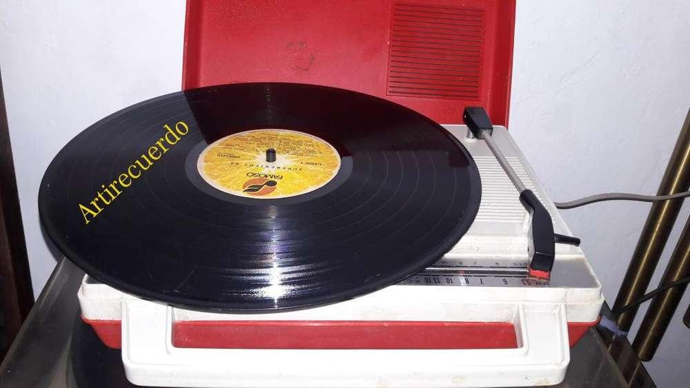 Radiola para discos de 33 y 45 Rpm tipo maleta funciona