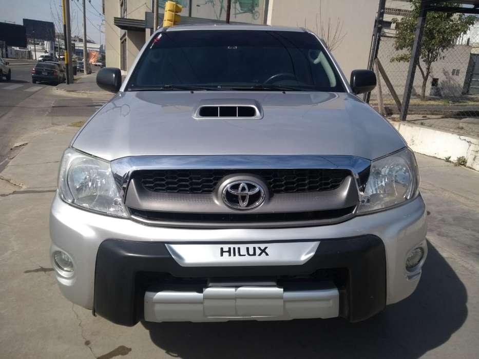 Toyota Hilux 2009 - 217000 km