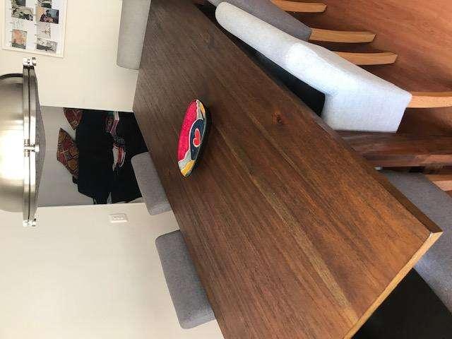 Mesa de comedor Rectangular de 6 puestos color caramelo