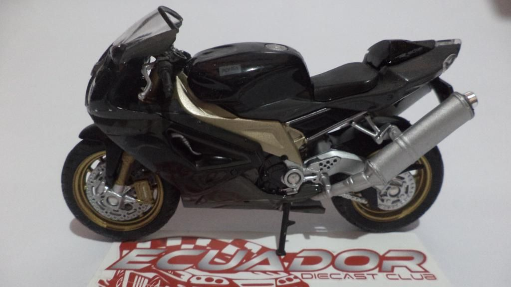 Motos a escala 1:18