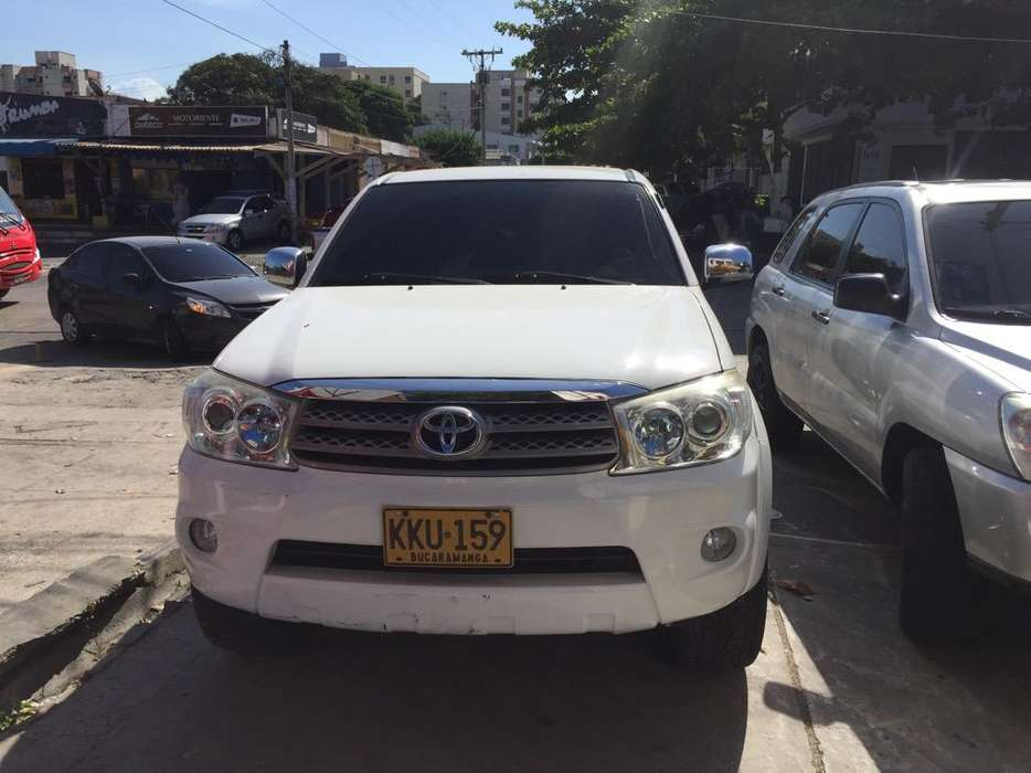 <strong>toyota</strong> Fortuner 2011 - 84000 km
