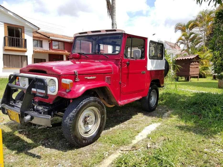 Toyota Land Cruiser 1980 - 2050 km