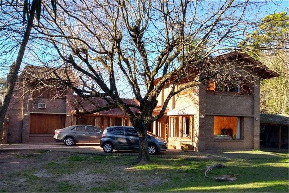 Casa en venta de 3 Habitaciones en Villa Elisa