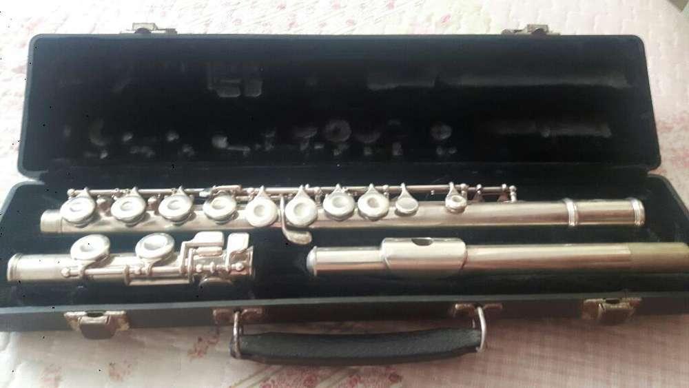 Vendo Flauta Marca King Americana