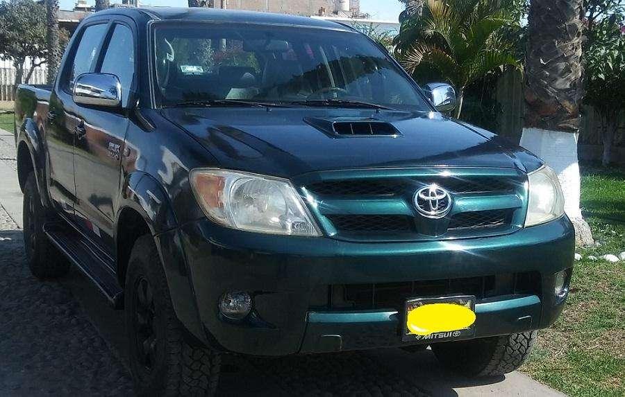 Toyota Hilux 2006 - 108000 km