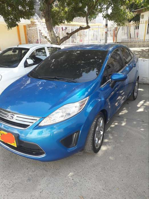 <strong>ford</strong> Fiesta  2012 - 72000 km