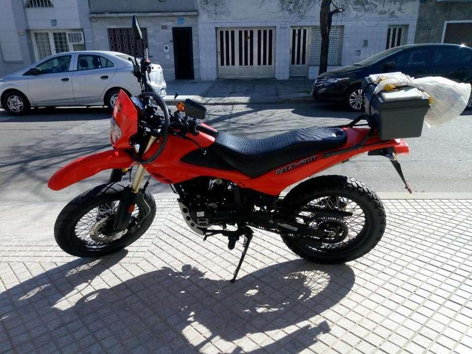 <strong>moto</strong> 200