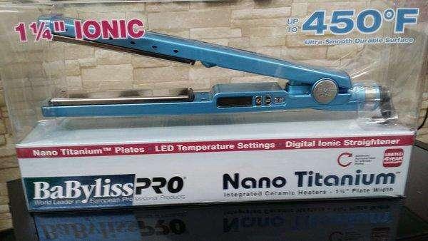Plancha Pro Nano Titanium Profesional 1 1/4 Placas 450 GRADOS