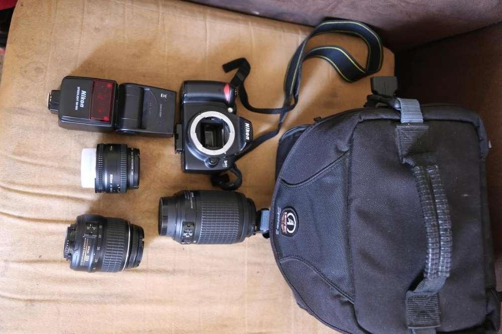 Camara Nikon D403lentesflashmaleta