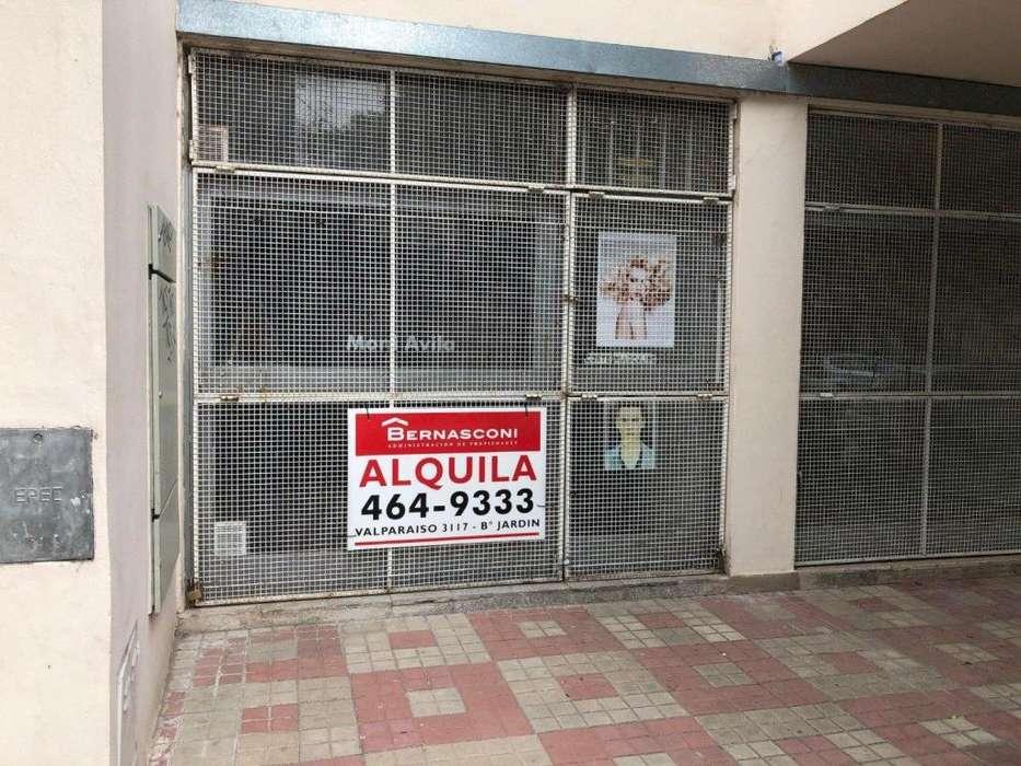 SE ALQUILA LOCAL / OFICINA AV. NORES MARTINEZ