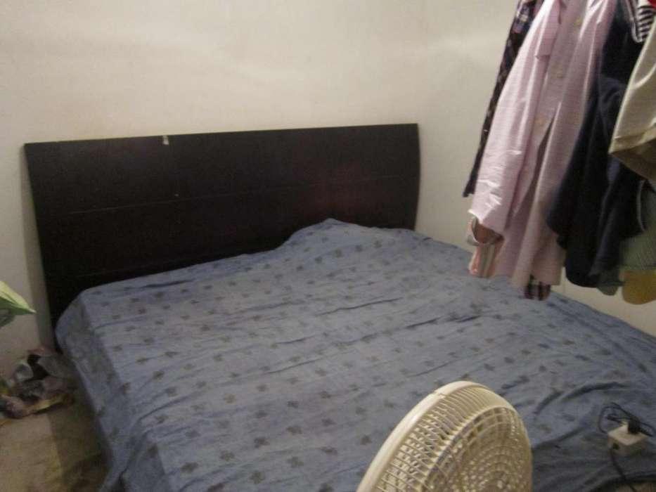 cama con colchon de 2 metros X 2 metros.