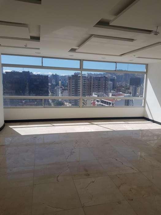 Edif. Amazonas Park, Oficina en renta 45 m2, a estrenar, Av. Amazonas y Colón,