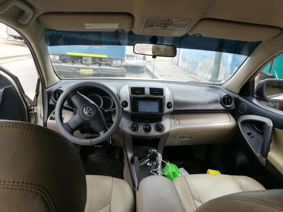 Toyota RAV4 2006 - 130 km
