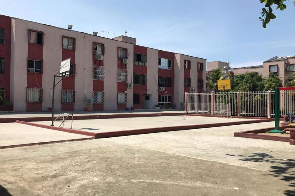 Apartamento En Arriendo En Cartagena Av Pedro Heredia Cod : 9666