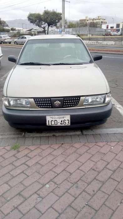 Nissan Otro 2003 - 400000 km