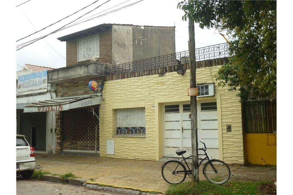Casa a refaccionar en lote 10 x 27,79- M Coronado