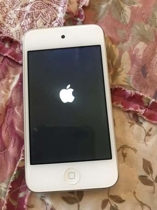 <strong>ipod</strong> Touch con base