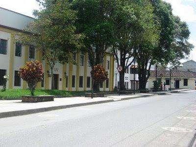 vendo <strong>local</strong> comercial sector del barrio san camilo central