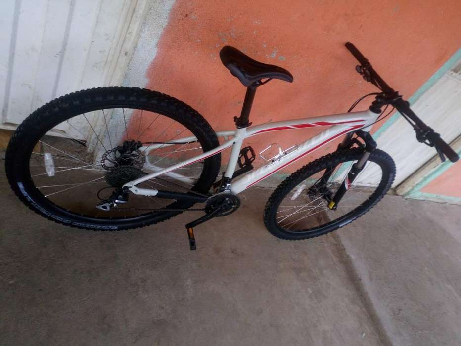 Vendo Bicicleta Specialized Rockhopper