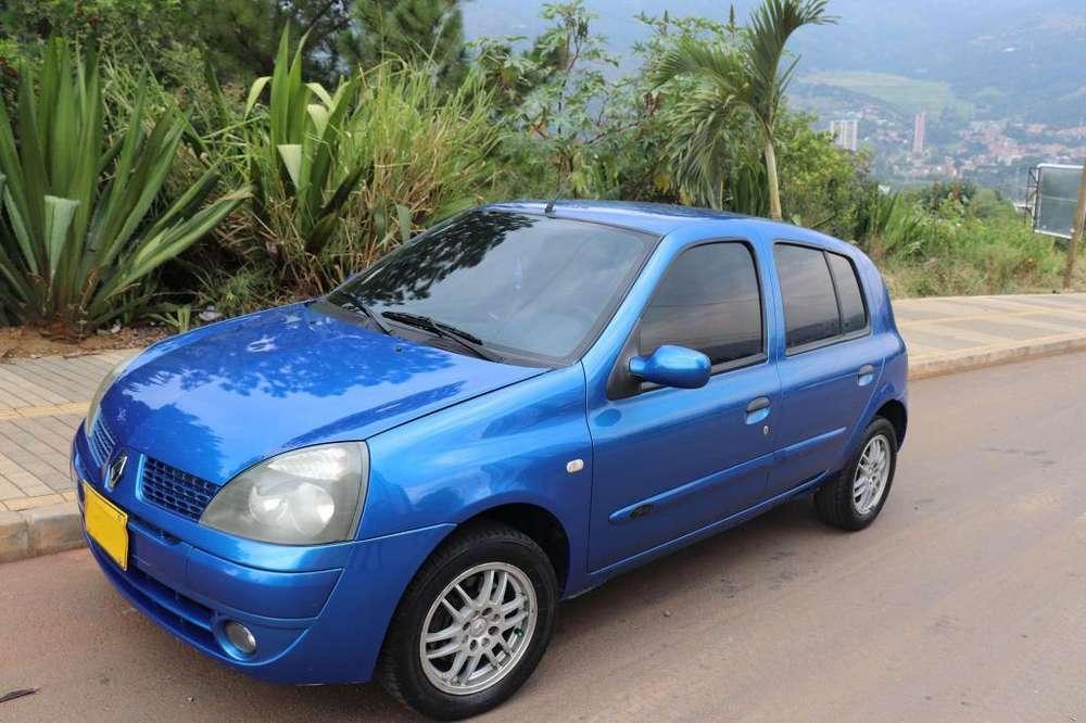 Renault Clio  2008 - 176700 km