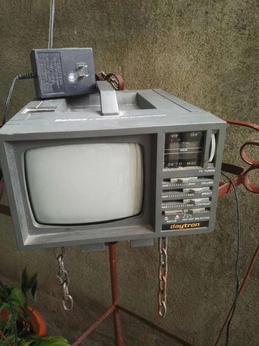 Se Vende Tv, Radio Fm-am, Antiguo.