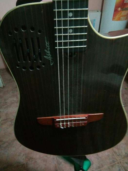 Guitarra Tipo Godin