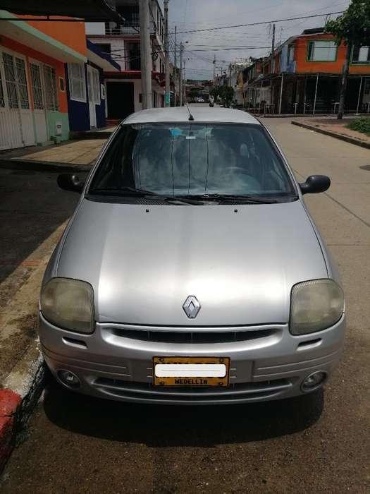 Renault Symbol 2003 - 240000 km