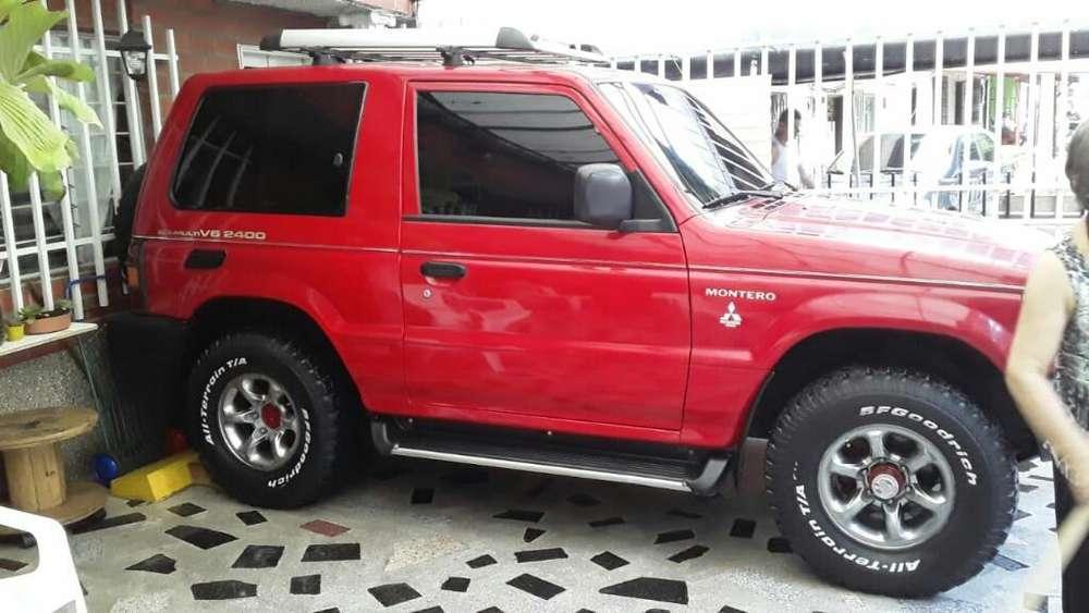 Mitsubishi Montero 1999 - 177000 km