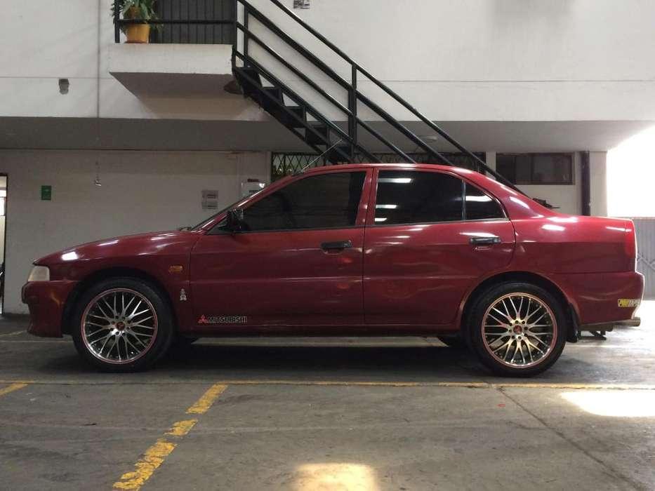 Mitsubishi Lancer 1998 - 301 km