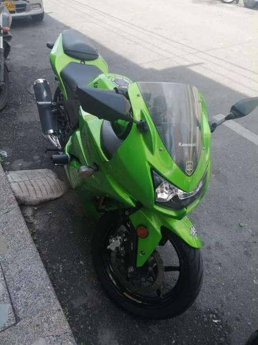 Vendo <strong>kawasaki</strong> Ninja 250