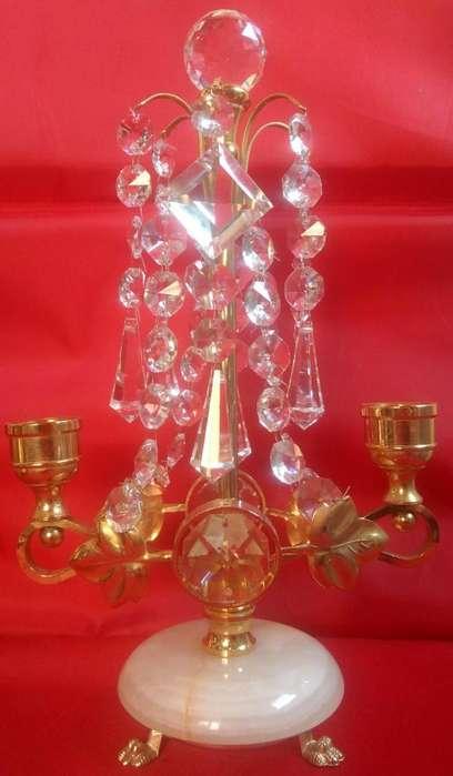 Excelente candelabro de bronce marmol y caireles