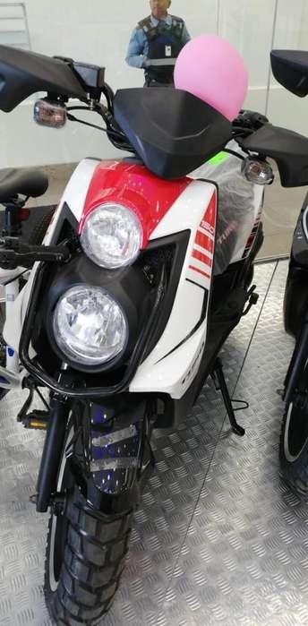 Vendo Moto Pasola <strong>nueva</strong> Urg con casco