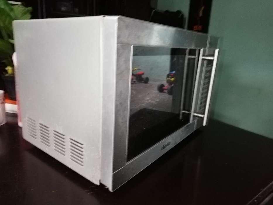 Microondas Premium Como Nuevo