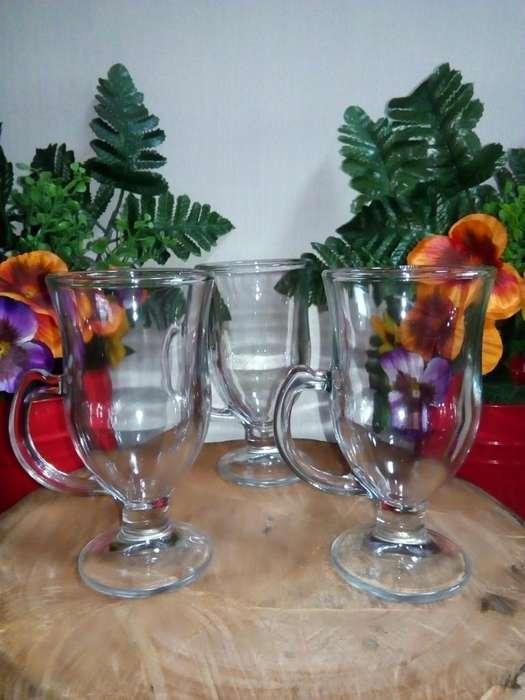 Espectacular set de 9 vasos de cristal