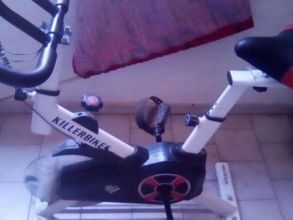 Bicicleta de Spinning Solo 2 Mese de Uso
