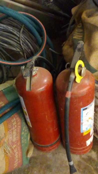 02 extintores de 6kg...para recargar...S/. 50 por los 02...tlf. 975578843.