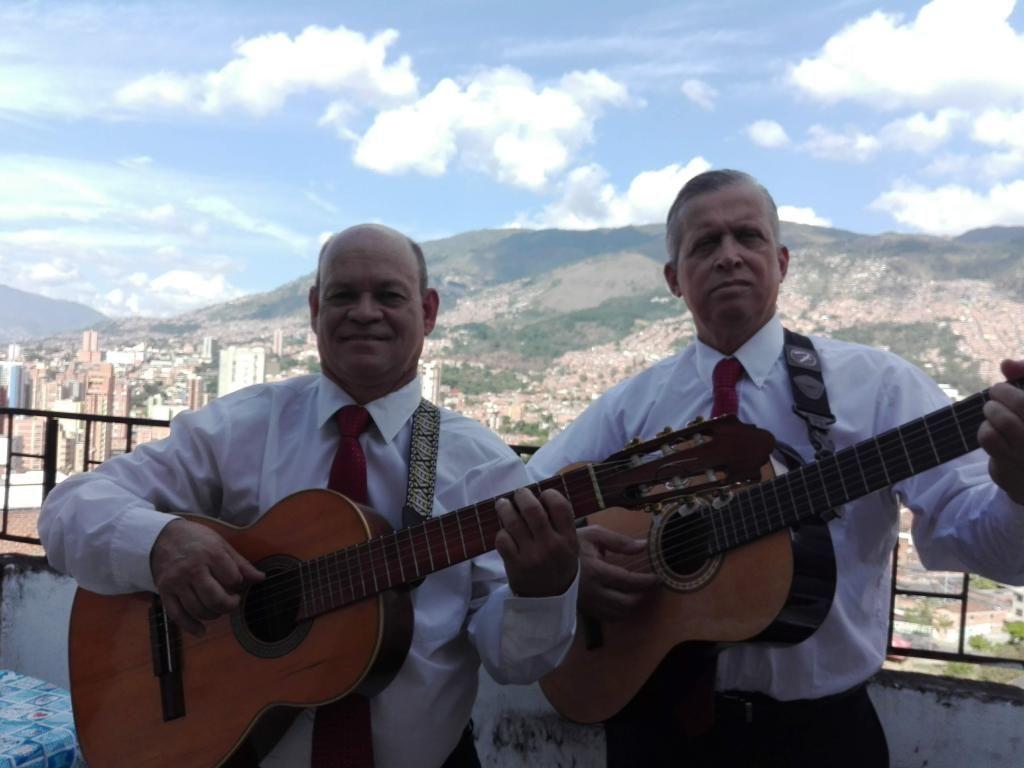 SERENATAS MUSICA DE CUERDA DUETOS Y TRIO