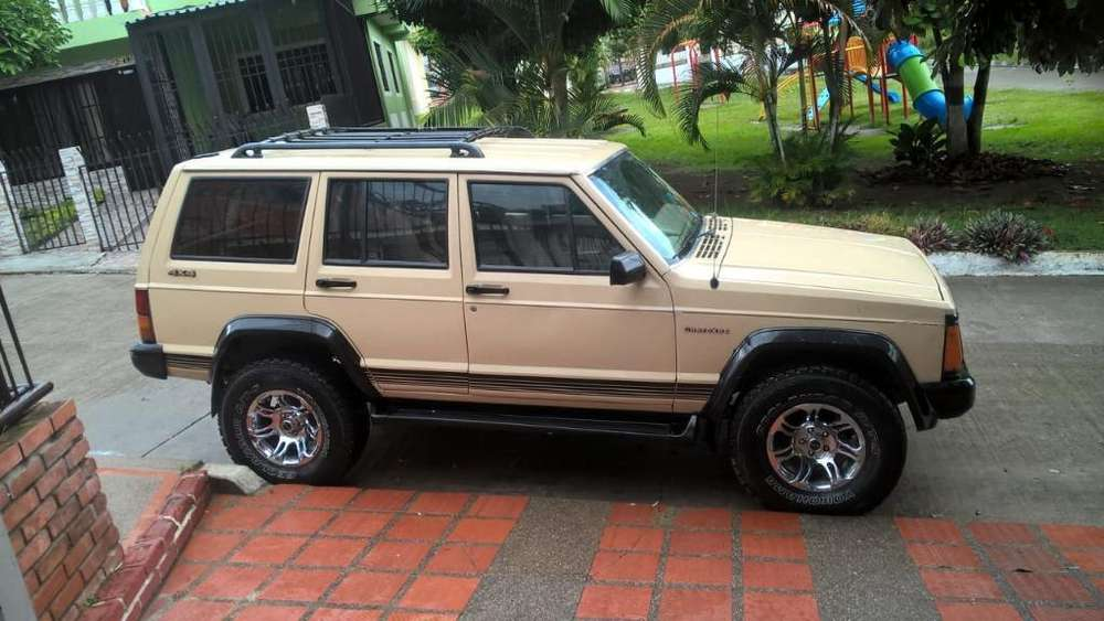 <strong>jeep</strong> Cherokee 1989 - 258632 km