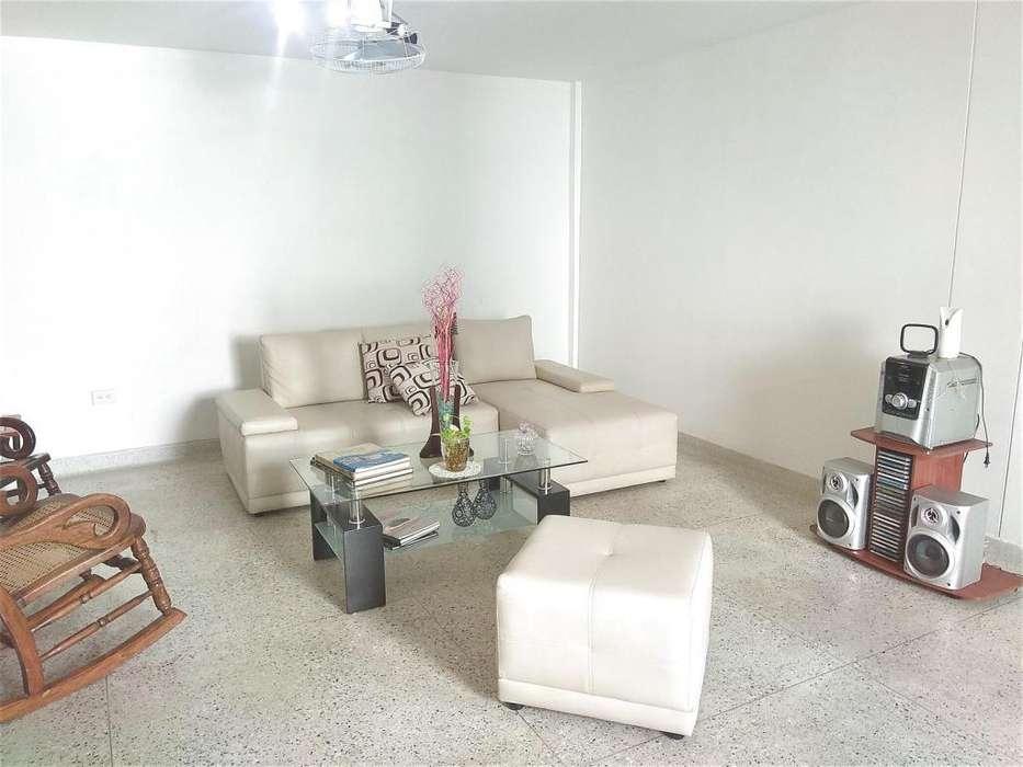 Amplio <strong>apartamento</strong> en venta en Barrio Bavaria Santa Marta