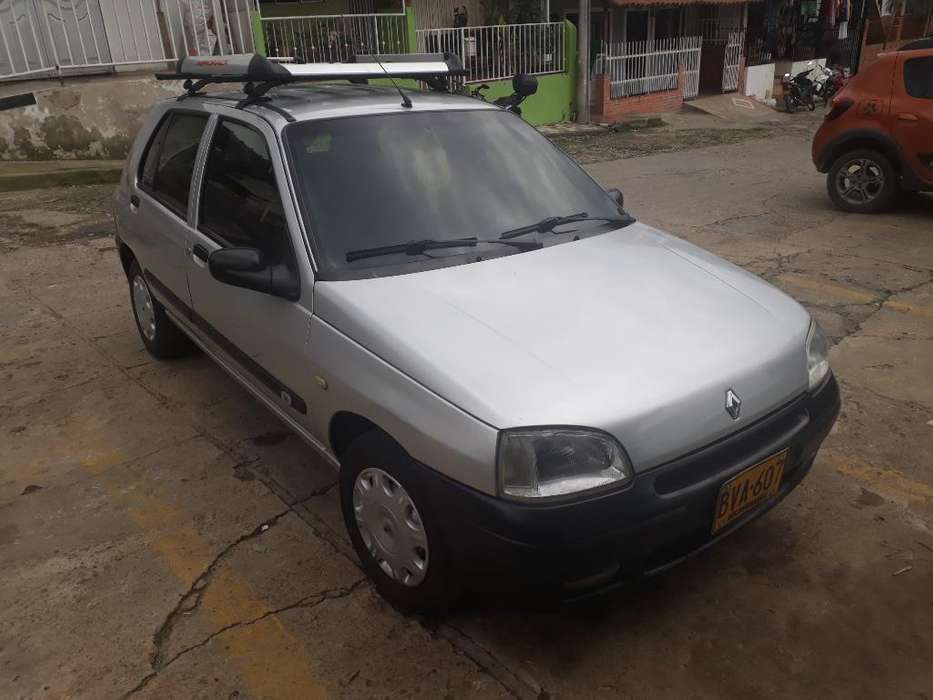 <strong>renault</strong> Clio  2000 - 656886 km