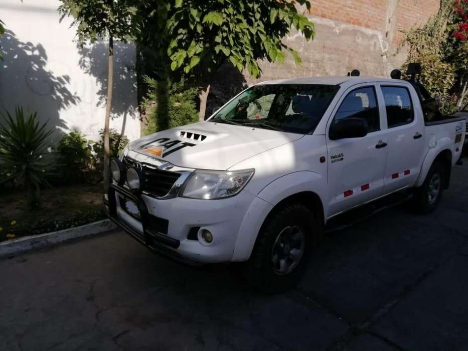 Toyota Hilux 2014 - 115000 km