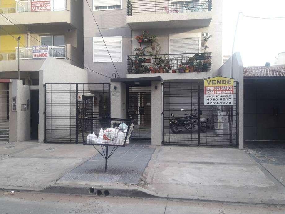 Cochera en venta en Caseros