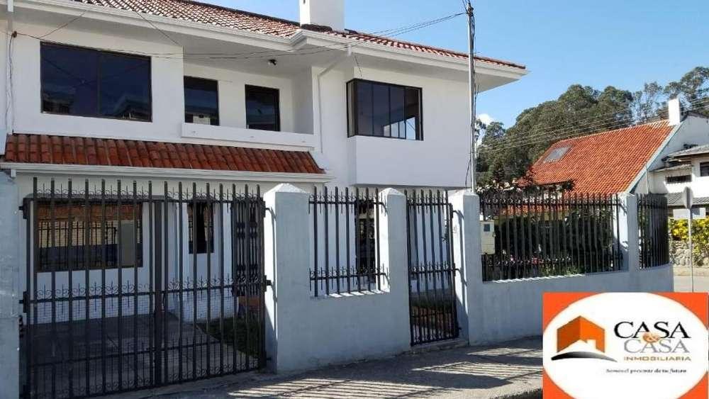 Se vende una casa sector Los Sagrados Corazones