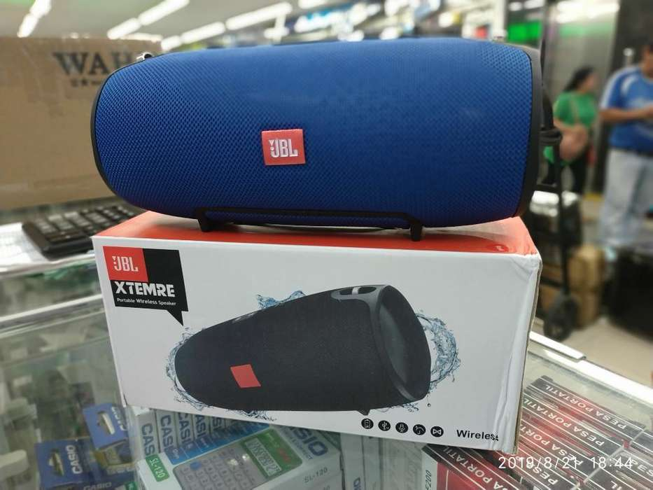 Parlante Jbl Xtreme Mediano